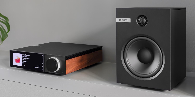 Cambridge Audio Evo All-in-One-Player und Evo S Lautsprecher