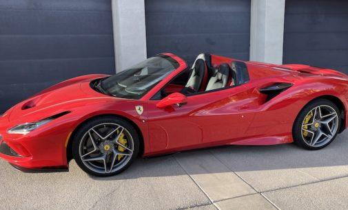 Mods4cars SmartTOP Zusatz-Verdecksteuerung für Ferrari F8 Spider bald erhältlich