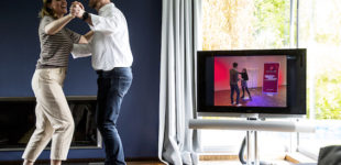 Im eigenen Wohnzimmer tanzen lernen, mit Online-Tanzkursen