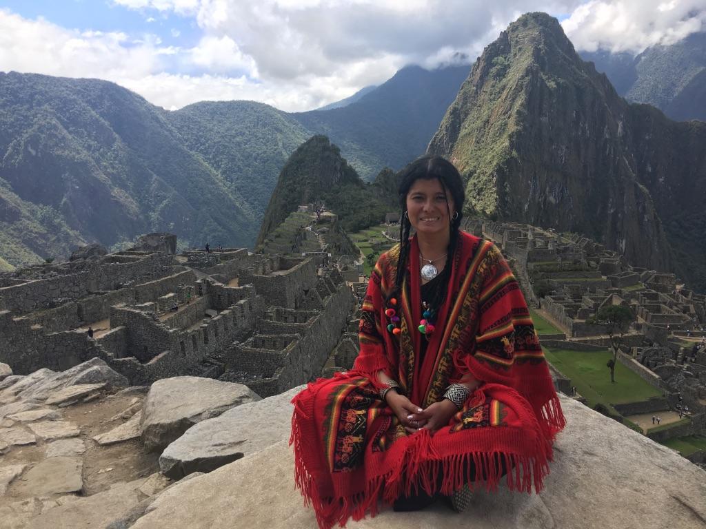 Die Schamanin Lorena Oviedo Salcedo lädt beim DGH-Kongress zu einem peruanischen Ritual ein.
