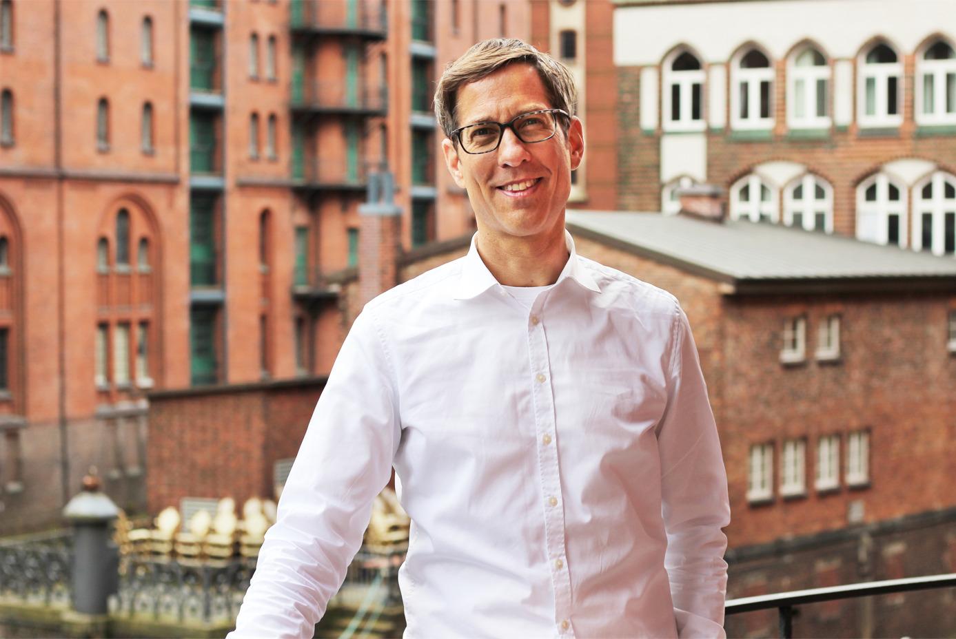 Warnt Mitbewerber vor Betrugsversuch - Fabian Scholz von der komma,tec redaction