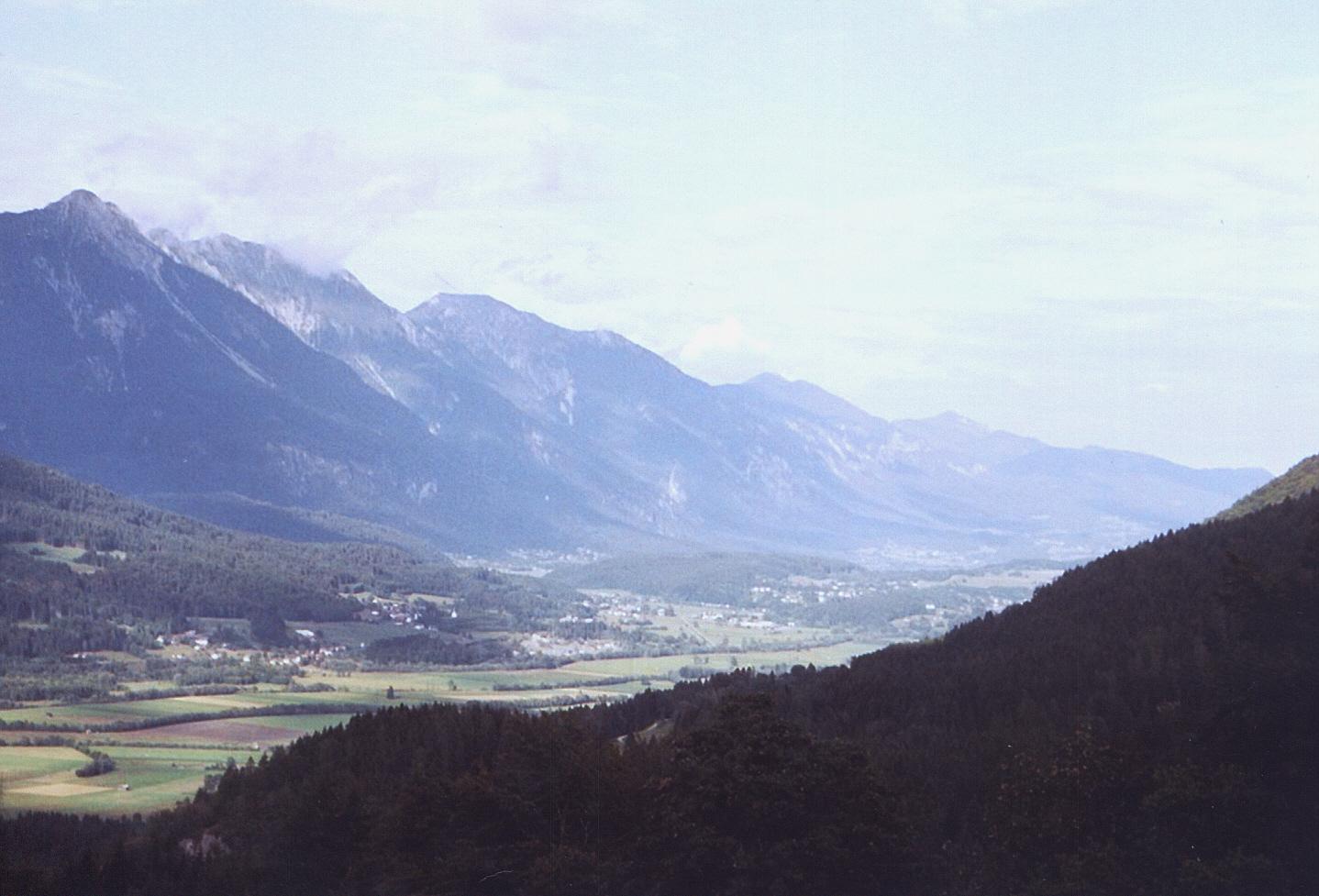 Blick von den Karnischen zu den Gailtaler Alpen.