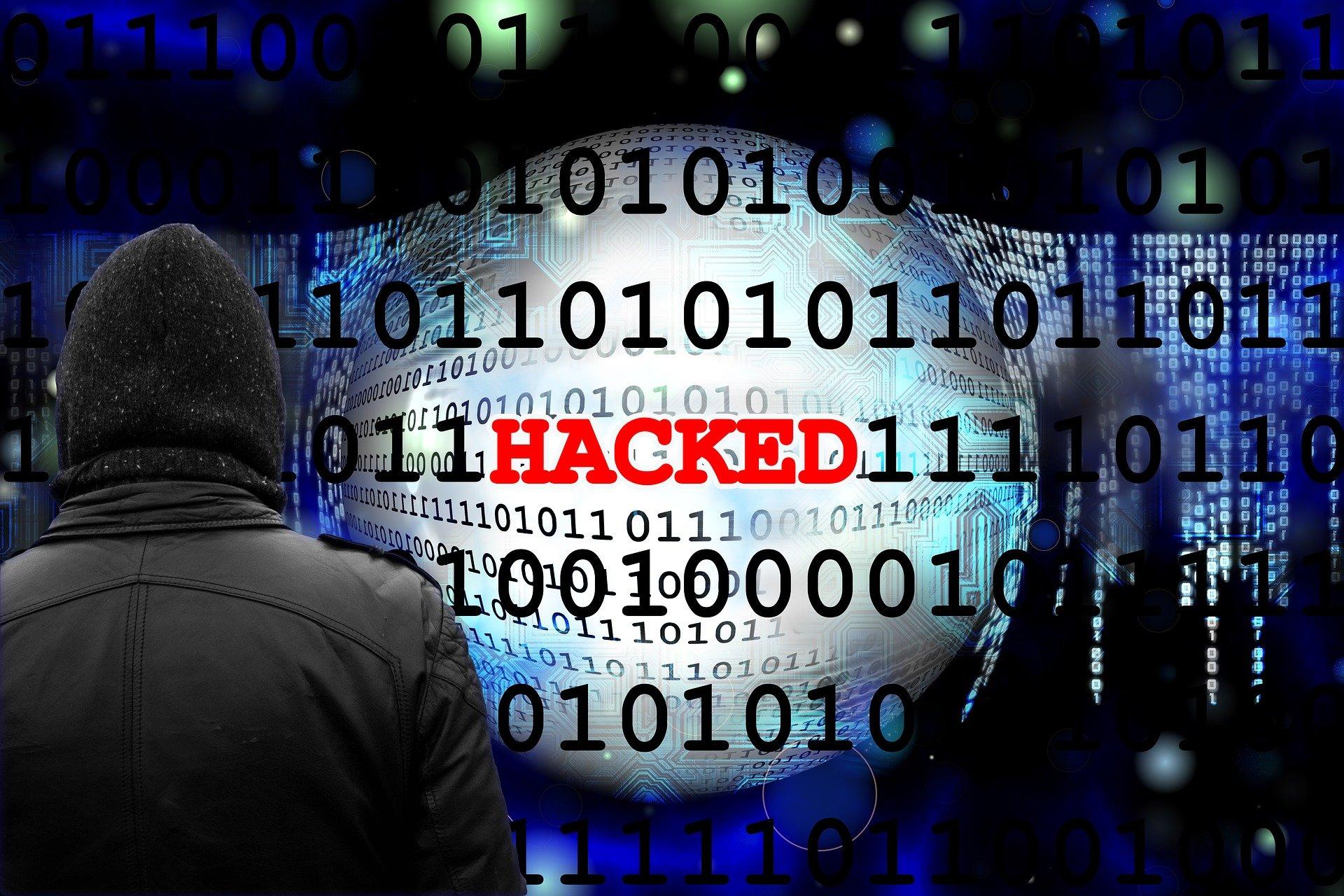 Unternehmen sehen sich dauerhaft Cyberkriminalität durch Hacker und Angreifer ausgesetzt.